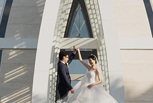 巴厘岛丽思卡尔顿教堂婚摄客片_海外婚礼