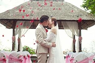 巴厘岛阿雅娜秘密花园婚礼_海外婚礼