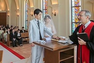 日本白色海岛教堂婚礼Alivila Glory欧式婚礼客片_海外婚礼