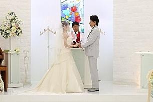 日本冲绳琉璃教堂婚礼Stelar Kanucha_海外婚礼
