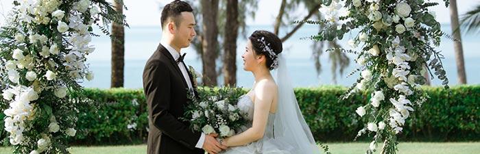 普吉岛卡马拉草坪婚礼